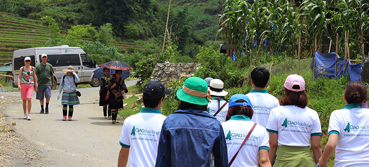 Sapa travel team