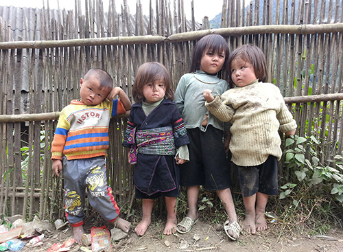 H'Mong children in Sapa
