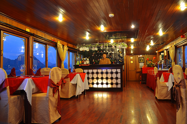 V-Spirit Cruise Bar