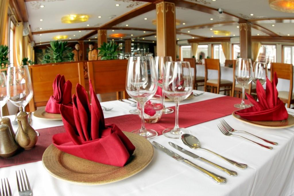 Huong Hai Sealife Cruise Restaurant