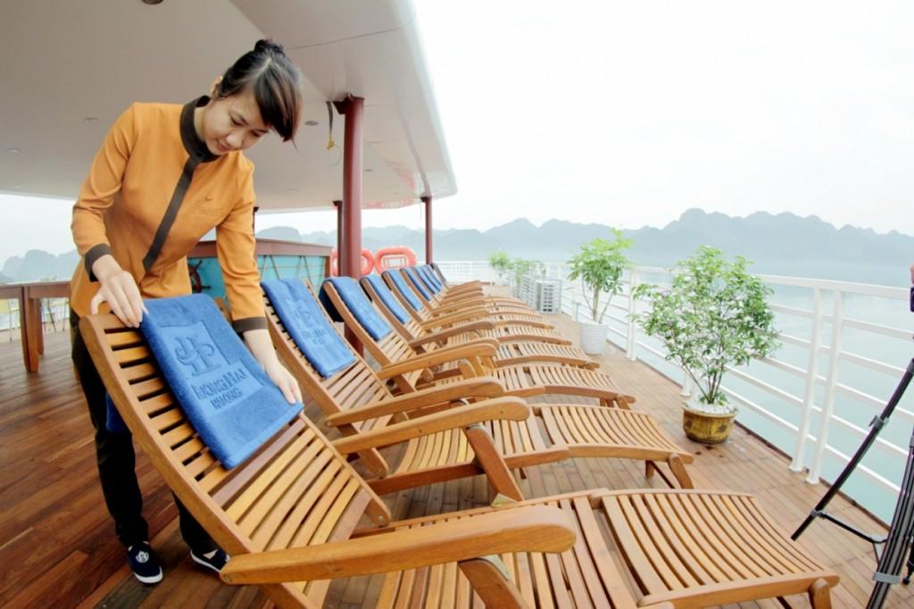 Huong Hai Sealife Cruises Crew