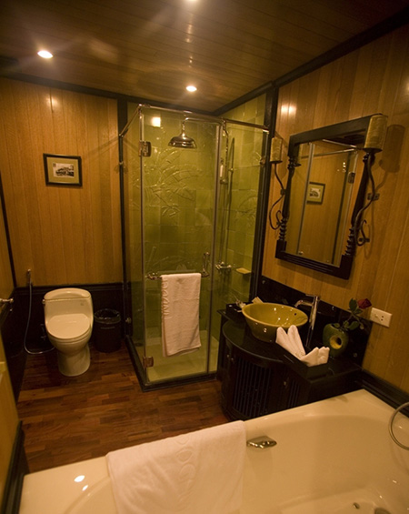 Indochina Sails Bathroom-Suite-cabin