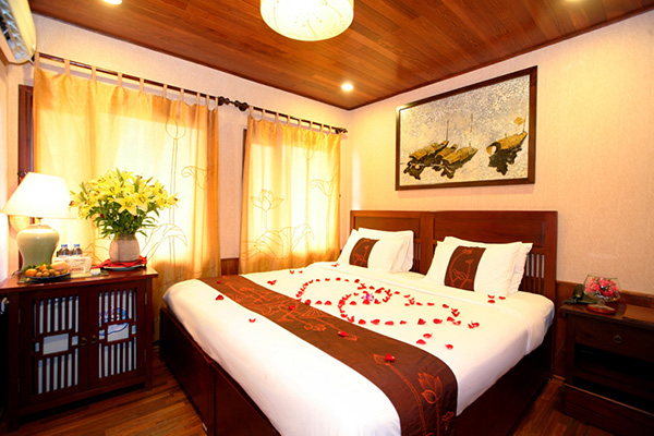 Indochina Sails Deluxe Cabin