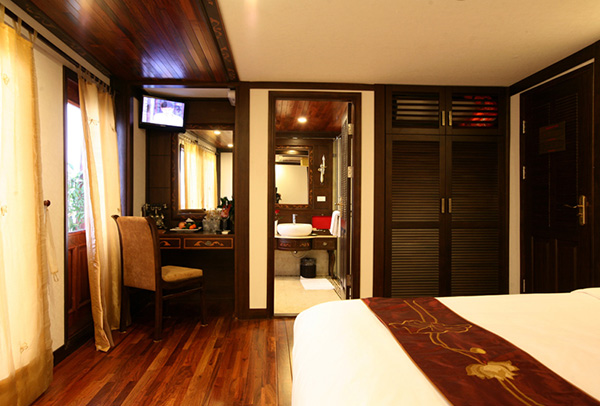Indochina Sails President Suite