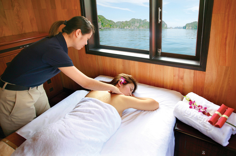 Syrena Massage service on board