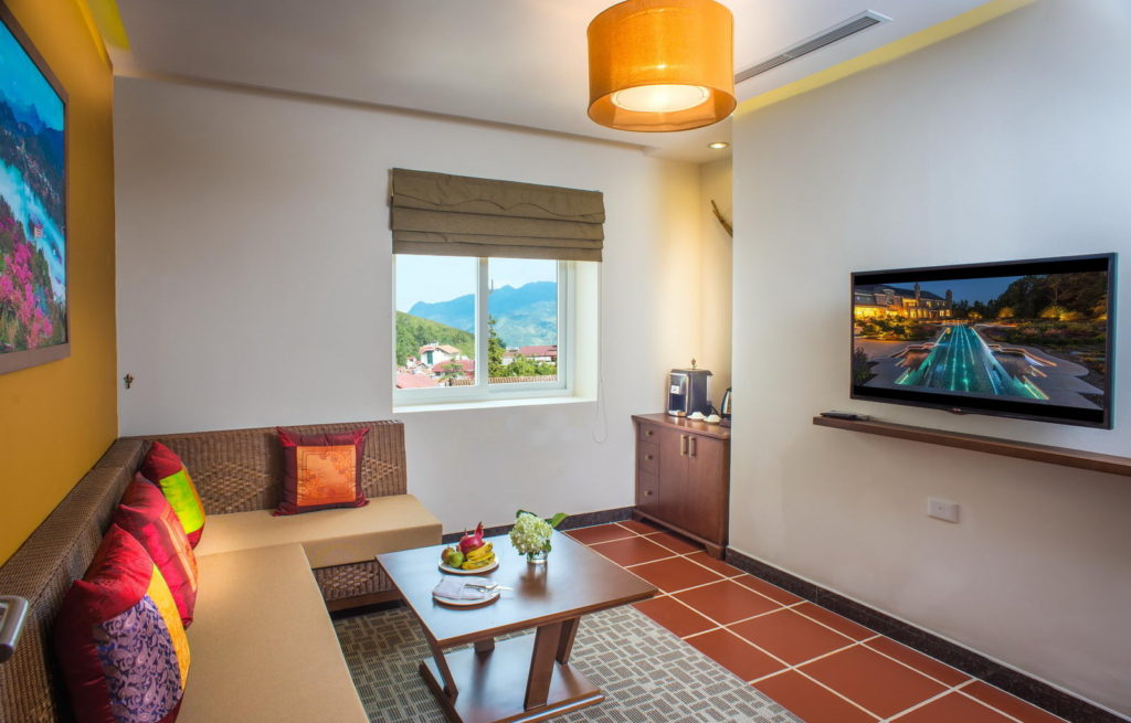 U Sapa Suite Living